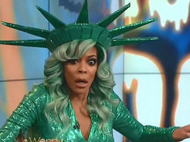 Wendy Williams Collapses On Live TV Wendy faints 624x468