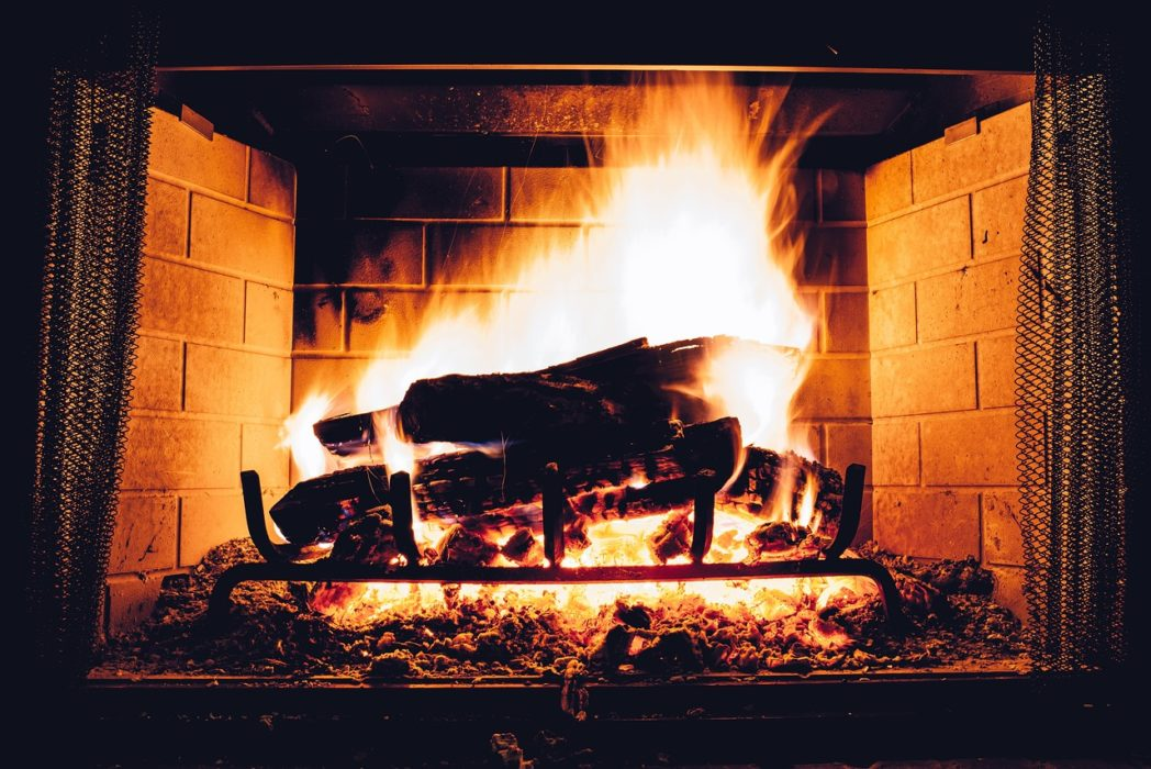 Women Secretly Turn Up The Heating, Research Finds blaze 2178749 1280 1048x700