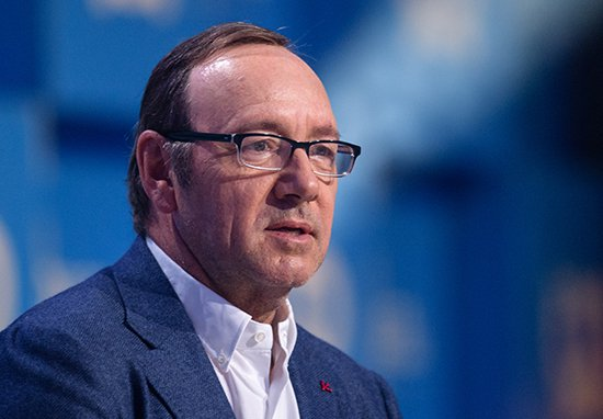 Hollywood Legends Son Describes How Kevin Spacey Groped Him With Dad In The Room kevin spacey web 1