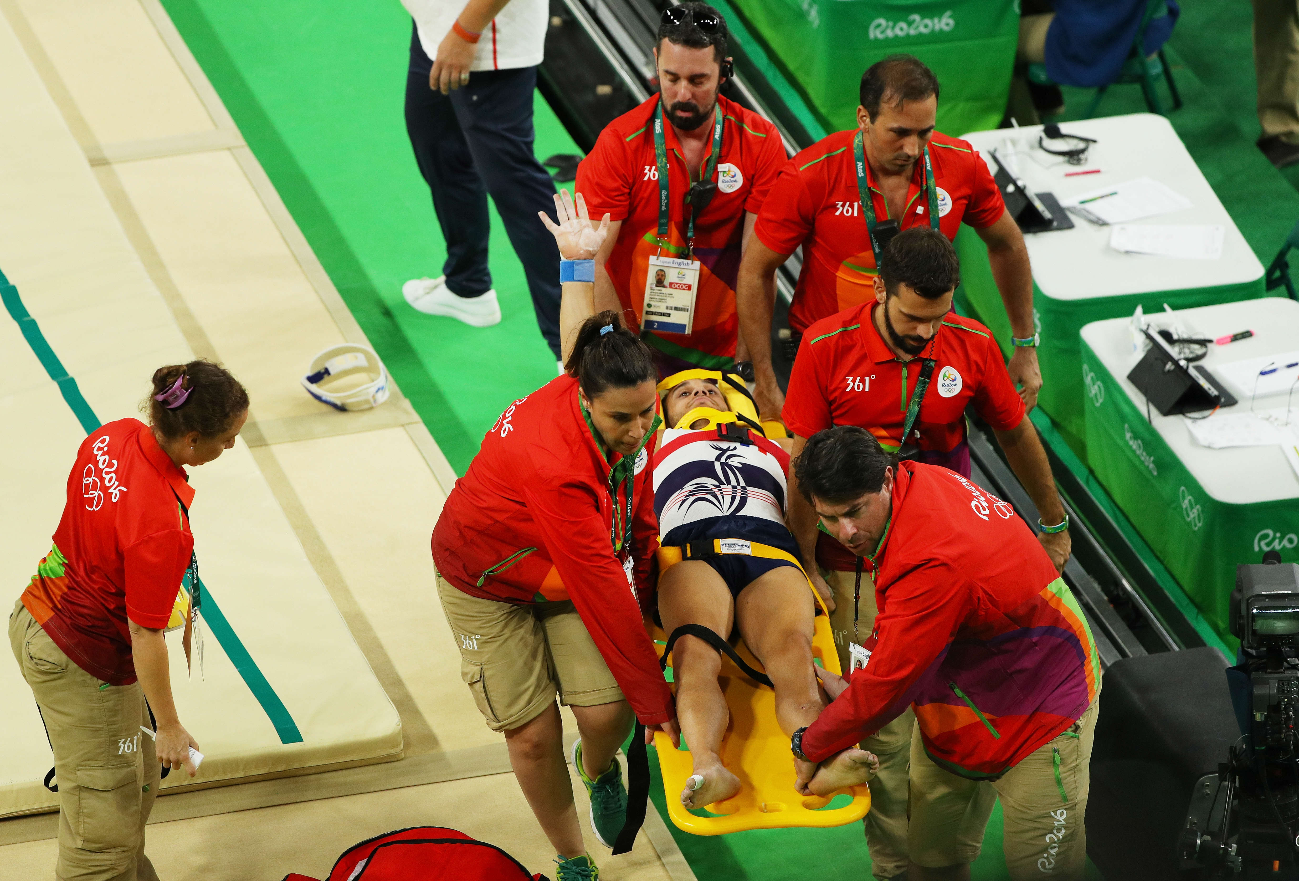 Basketball Players Gruesome Leg Injury Leaves Other Players Praying On Court leg1