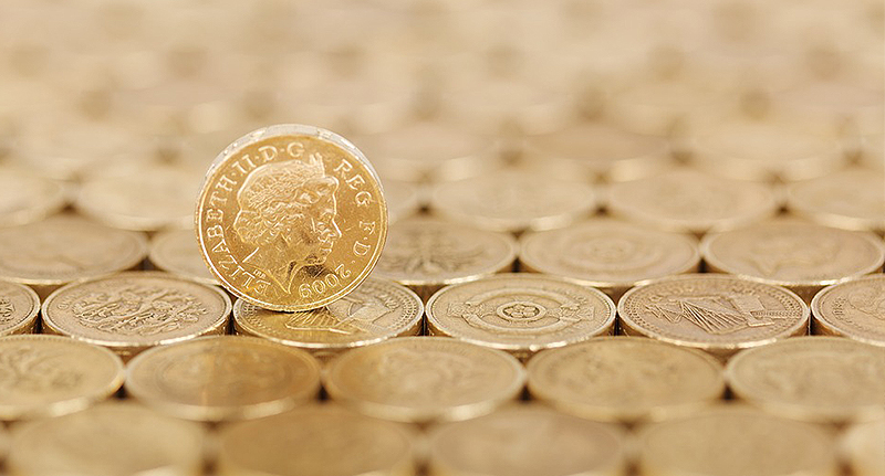 Woman Finds First White Cadbury Creme Egg And Wins £1000 pound coin fb