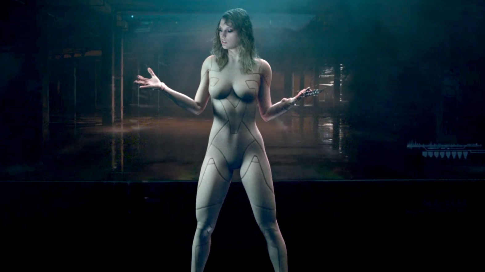 naked taylor swift video