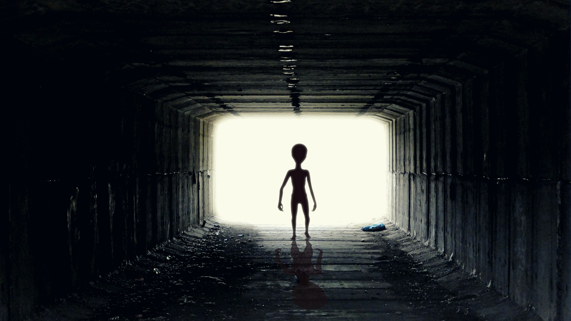 Boy From Mars Reveals Terrifying Reason Hes Been Sent To Earth ufo 2413965 1920