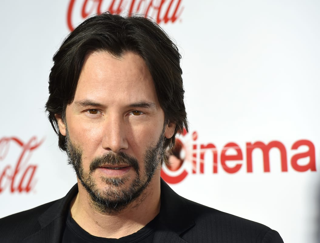 Keanu Reeves Spotted Barefoot Looking Like Forrest Gump