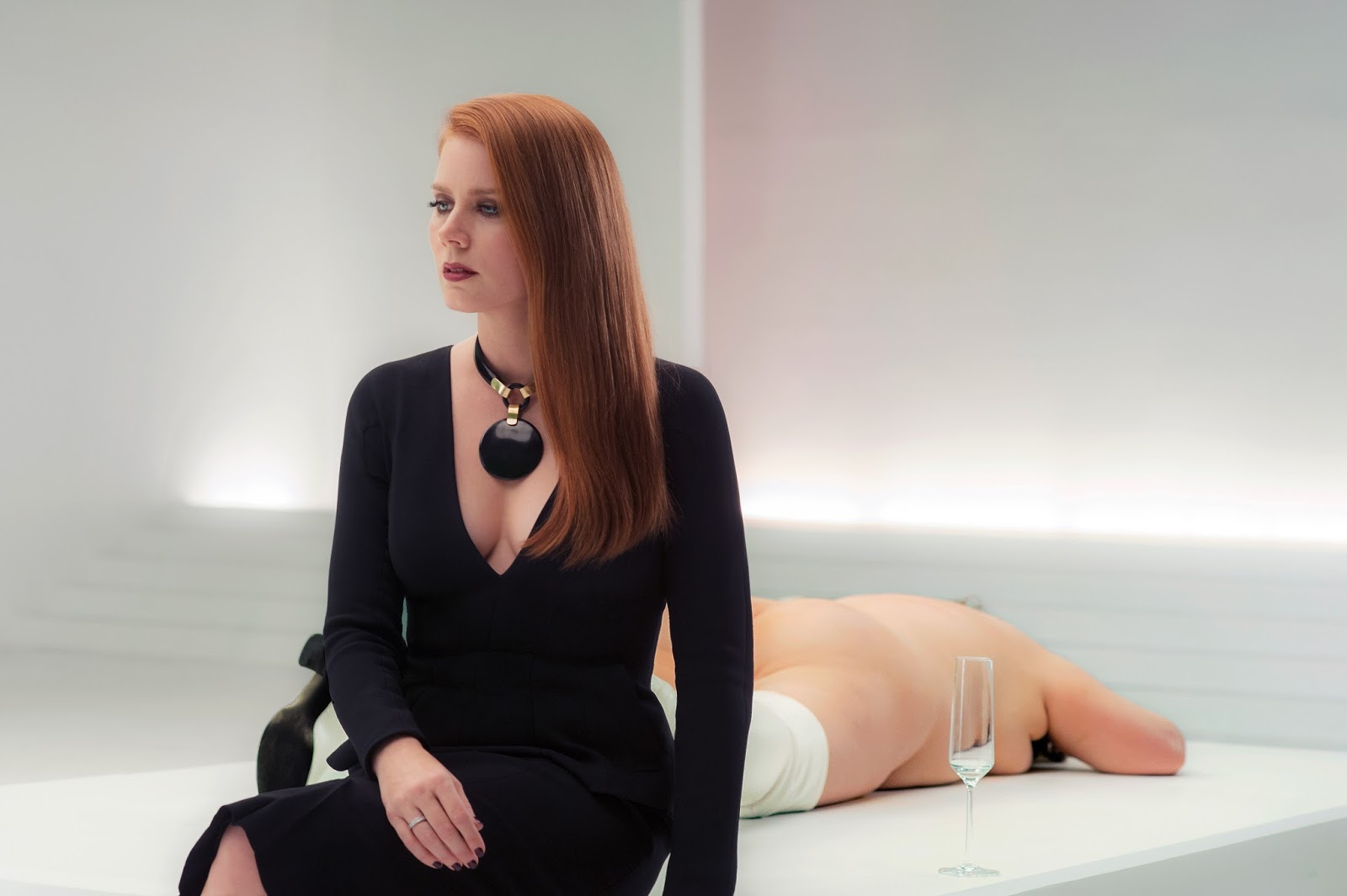 Its International Kiss A Ginger Day Today Amy Adams in Nocturnal Animals Movie 4K