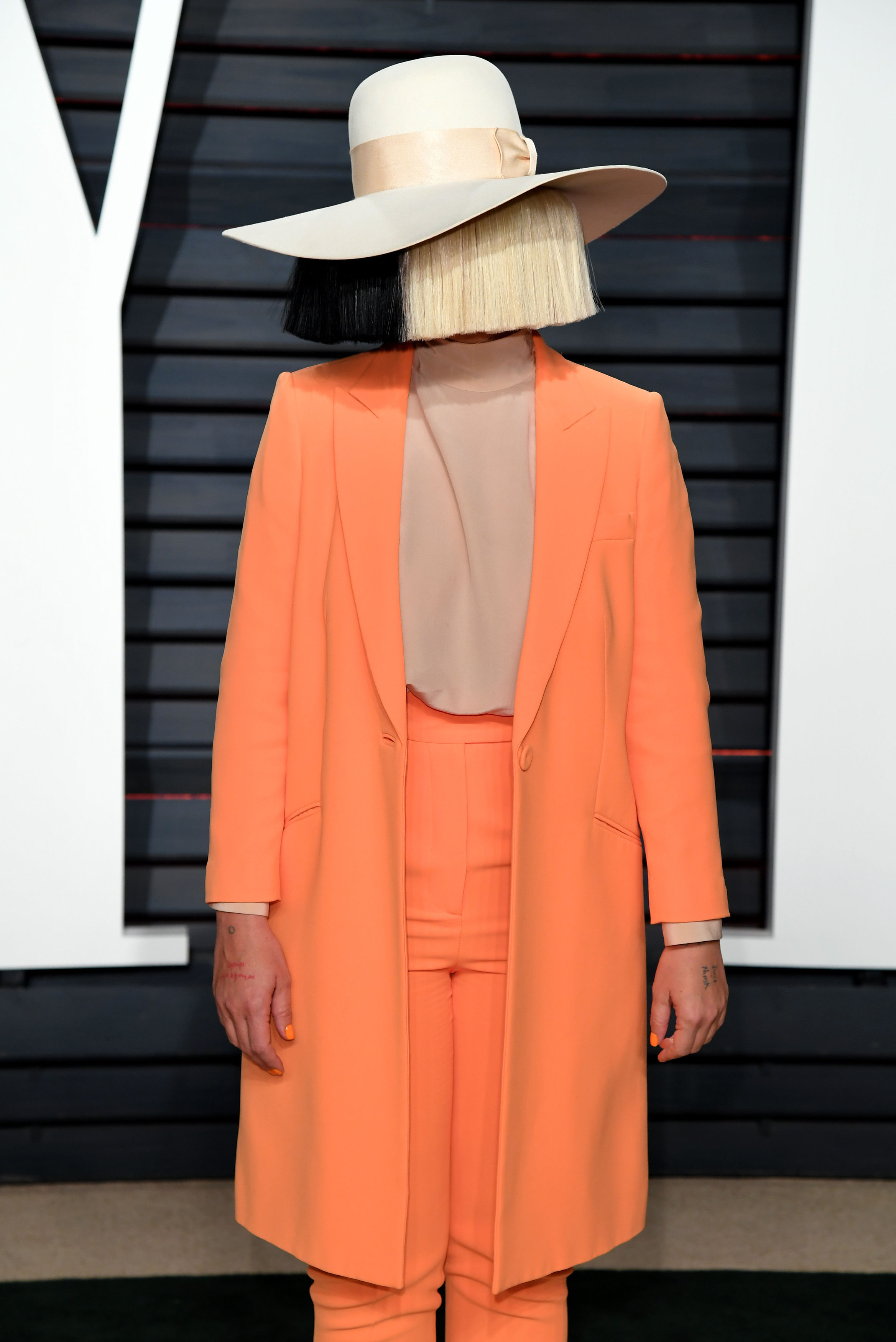 Someone Is Trying To Sell Sia Nudes So She Uploaded One Herself PA 30293504