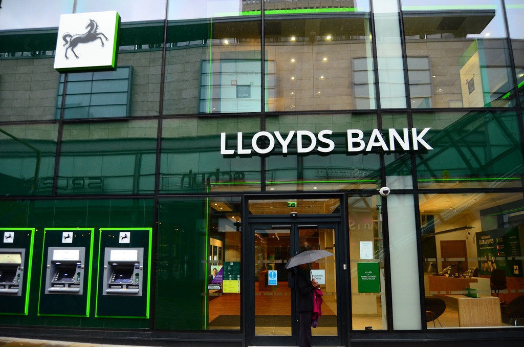 Workers With Certain UK Banks Wont Be Paid Today lloyds11