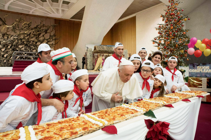 Pope Celebrates 81st Birthday With 13 Foot Pizza 18 pope francis birthday pizza.w710.h473