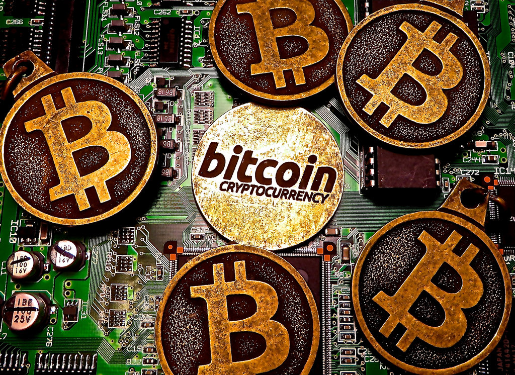 Bitcoin Value Suddenly Plummets By 15% In Under A Day 20401933105 576c3f9bf4 b