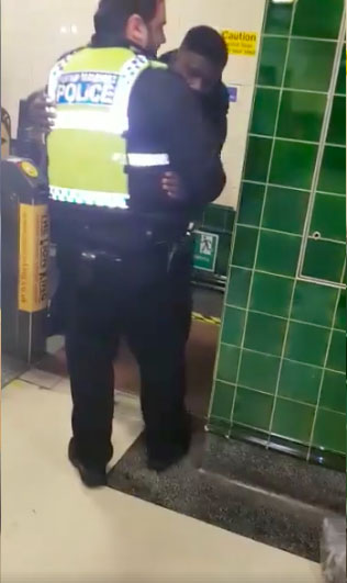 Fare Dodger Gets Willy Stuck In Barriers At Tube Station Balls2