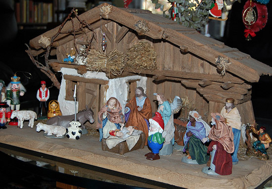 Theres A Pooping Man In The Catalan Nativity Scene And Its Just Bizarre Cagner