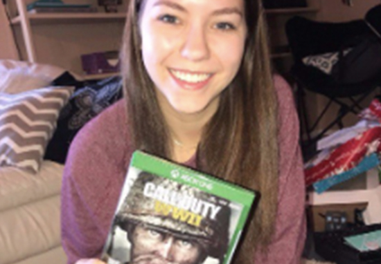 Girl Creates List Of Rules Boyfriend Must Obey Before She Gave Him Christmas Present Call Of Duty A 1