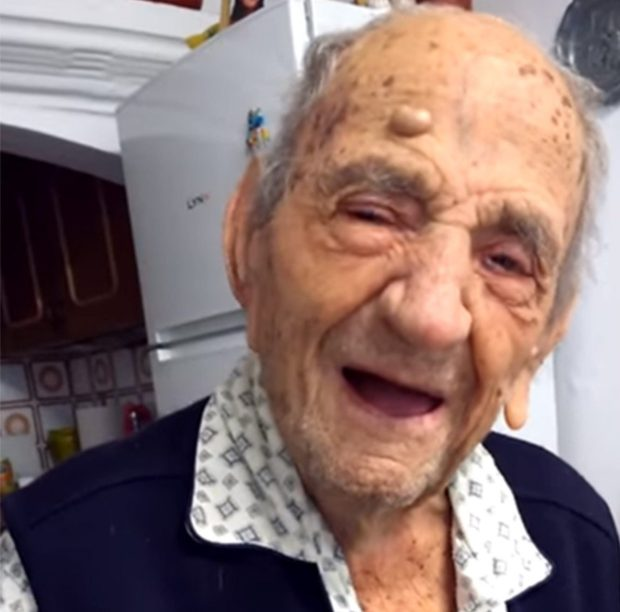 Worlds Oldest Man Says Drinking Wine Is Key To Long Life Charles Ragsdale Youtube