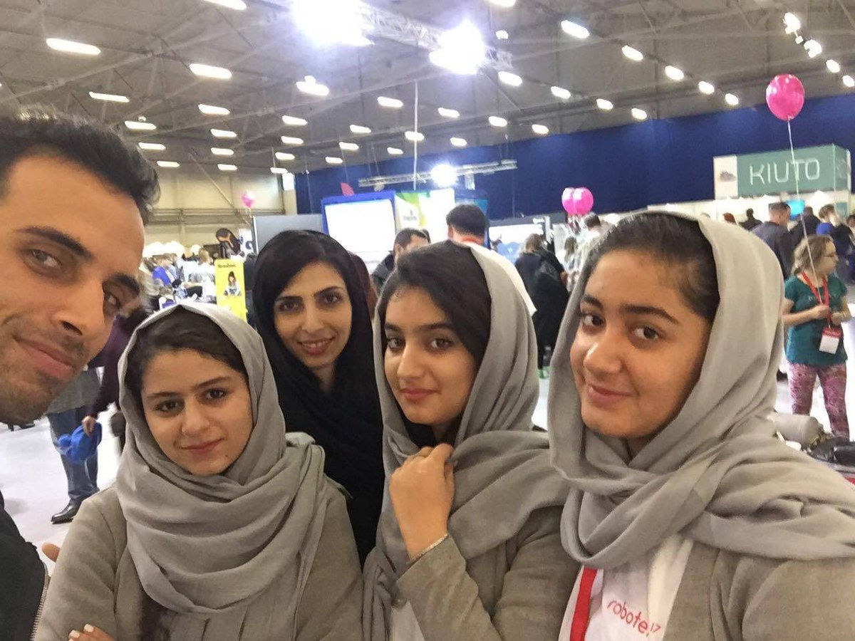 Afghan Girls Banned From US Win Top European Robotics Prize DPpBUEkV4AAeJMp