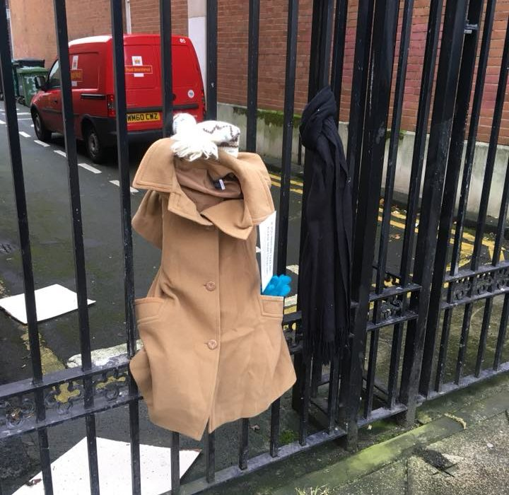 People Tie Warm Clothing To Lamp Posts And Railings In City Centres For The Homeless FACEBOOK 1 720x700