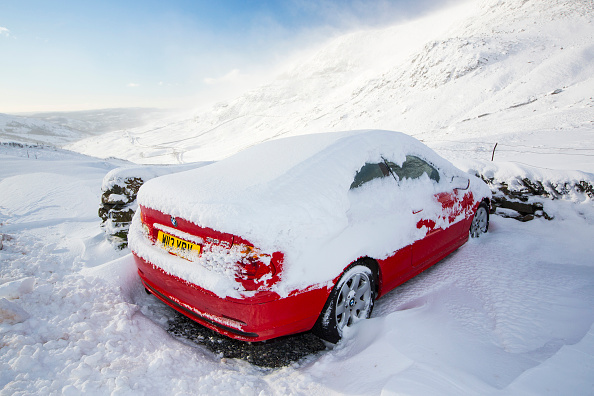 If You Drive With Snow On Your Roof You Could Be Hit With Huge Fine GettyImages 504971190