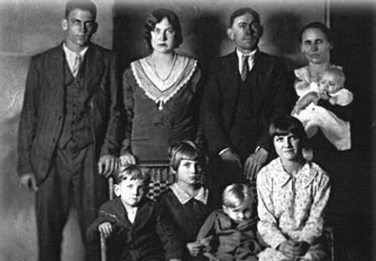 Dark Truth Behind Infamous Christmas Murder LawsonFamily