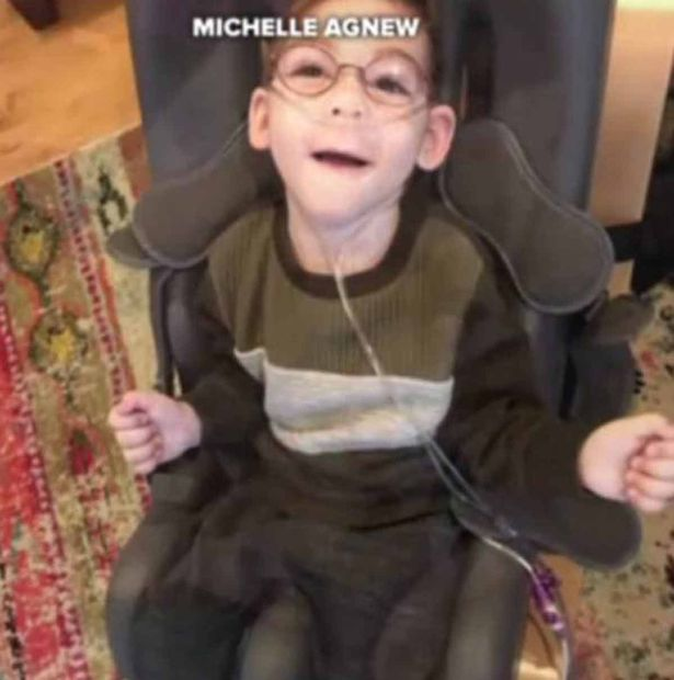 Santa Rushes To Hospital So Dying Boy Can Sit On His Lap One Last Time Miles 1
