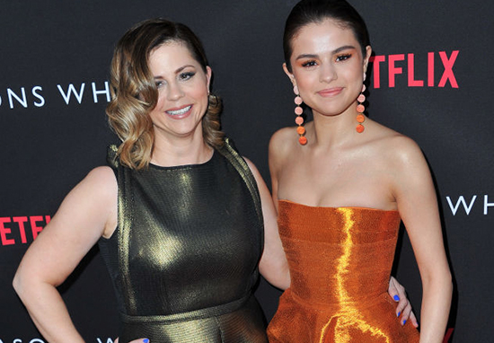 Selena Gomez Mum Hospitalised After Finding Out Shes Back With Justin Bieber Selena Mum A