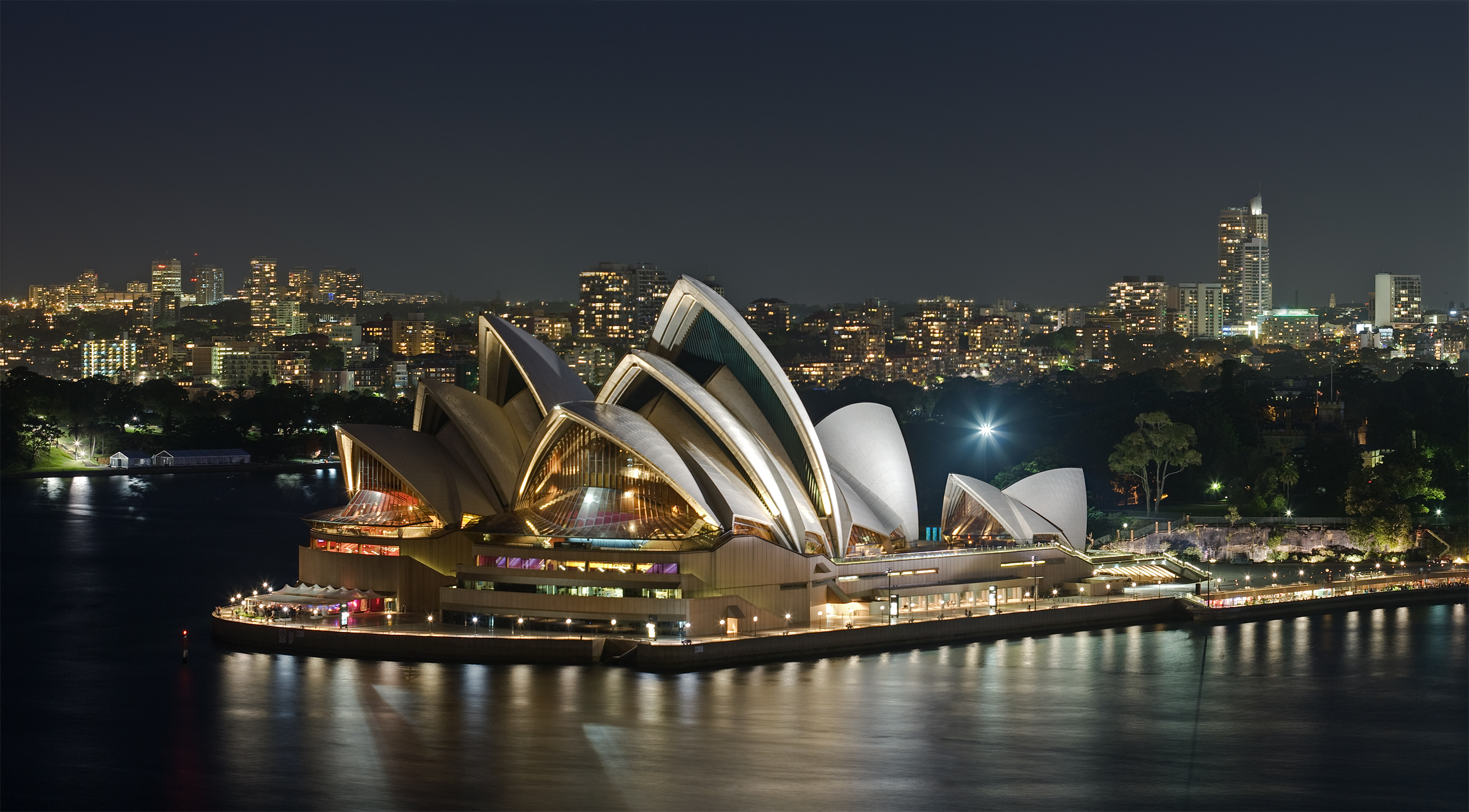 Australia Moved 7cm This Year And GPS' Cant Keep Up Sydney Opera House   Dec 2008