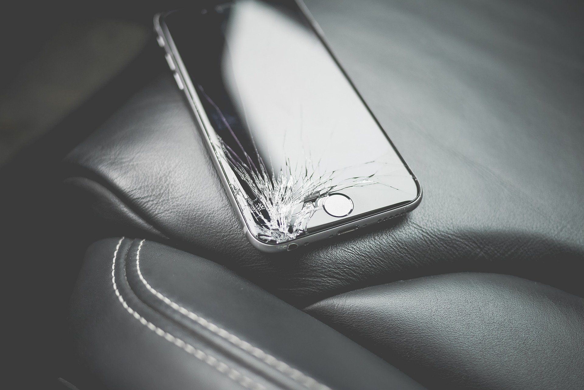Self Healing Glass Could Mean End Of Smashed Phone Screens brand 1867756 1920