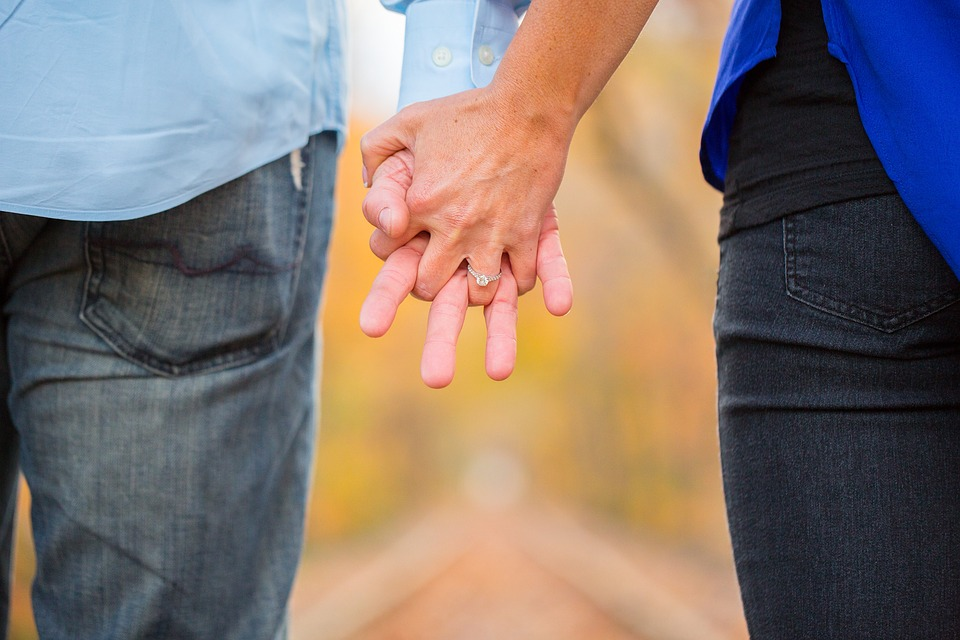 The Best Place To Find Love In The UK Revealed holding hands 2180640 960 720