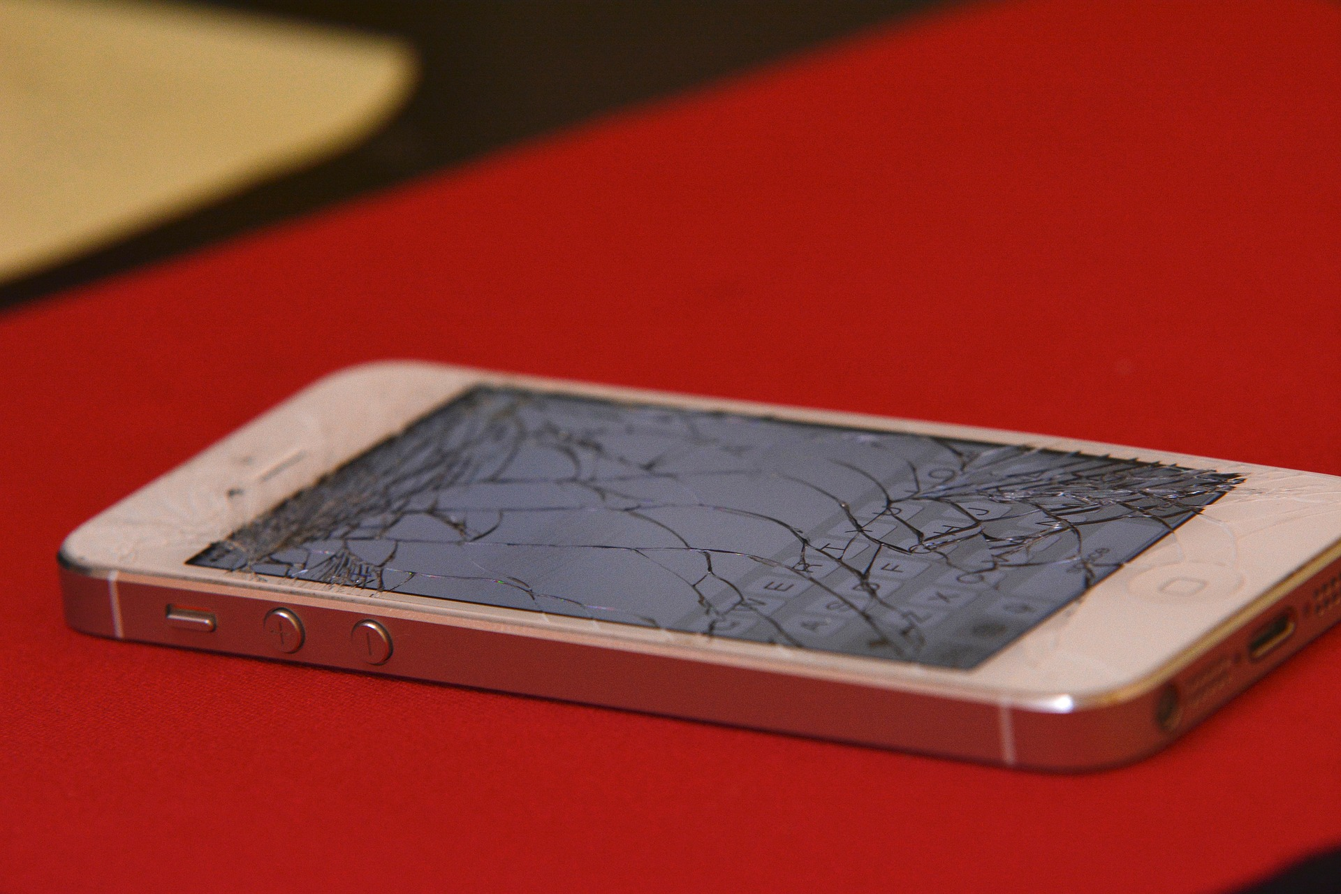 Self Healing Glass Could Mean End Of Smashed Phone Screens iphone 248906 1920