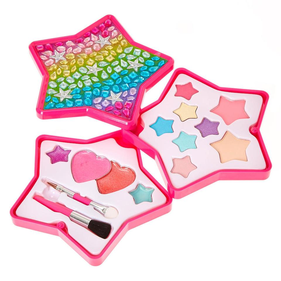Claires Accessories Urgently Recalls Make Up After Testing Positive For Asbestos nintchdbpict000375255548 1