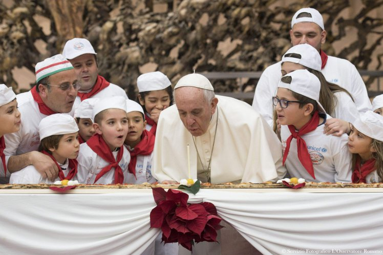 Pope Celebrates 81st Birthday With 13 Foot Pizza pri 63423072