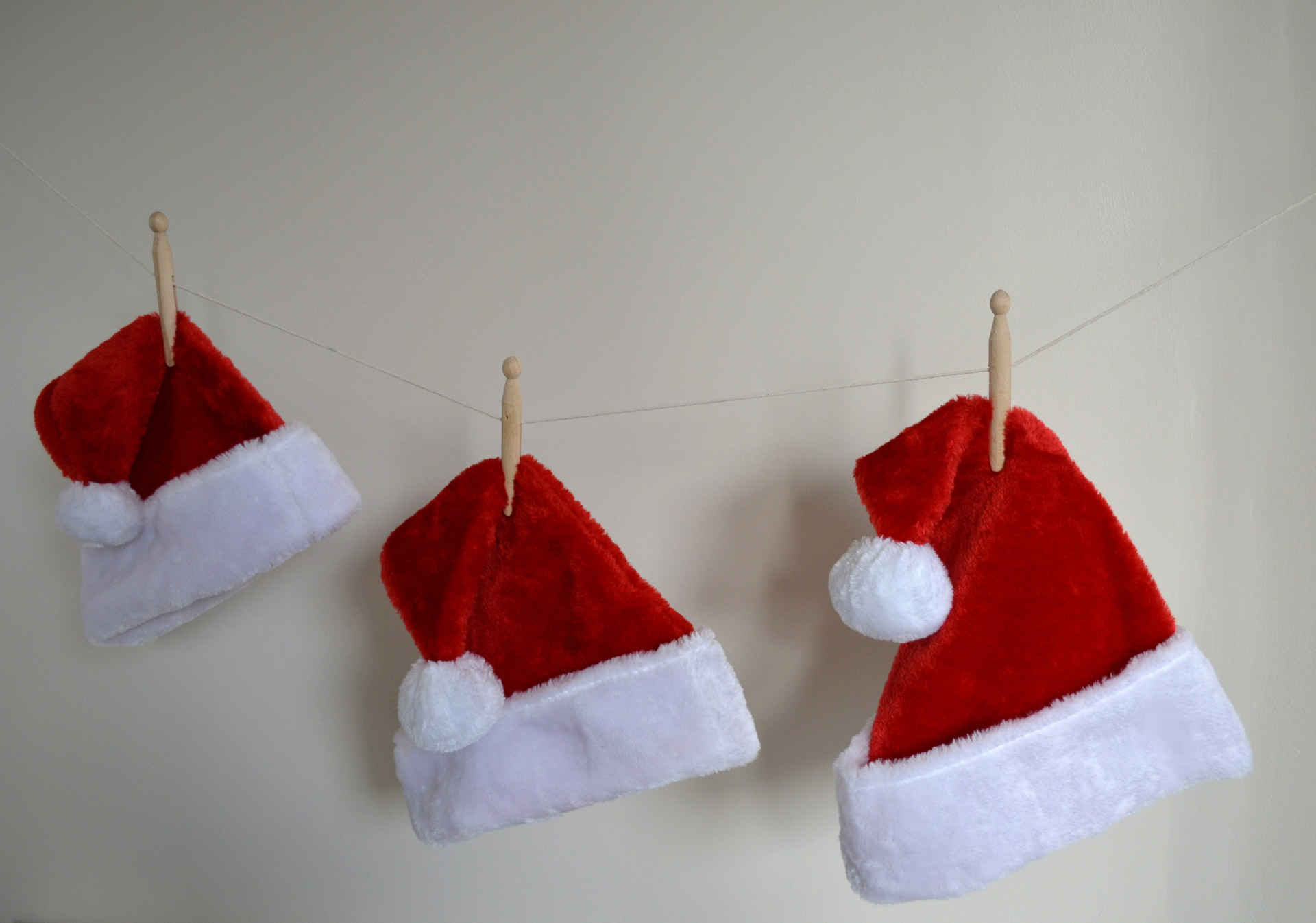 Professional Santa Answers One Question Were All Thinking santa claus hats