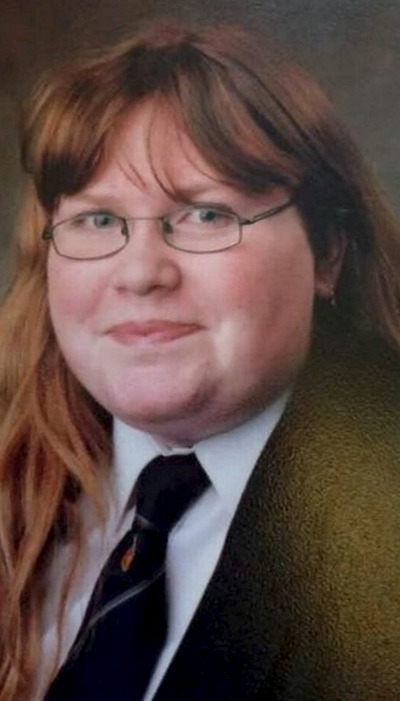 Woman Loses Half Her Bodyweight After Seeing School Photos Of Herself weight loss mum 80660