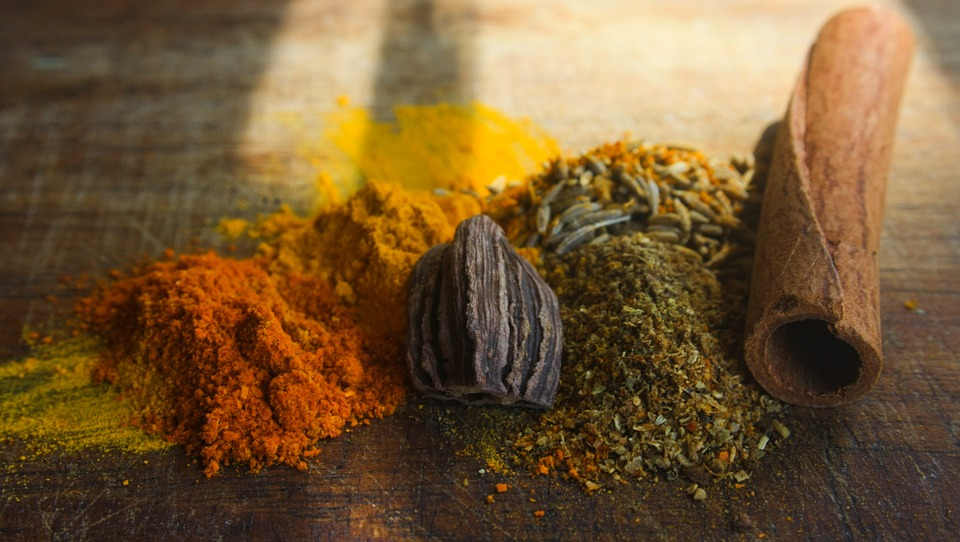 Eating Curry Makes You Happier And Improves Memory, Study Finds Curry Exotic Spices Indian Cinnamon 390550