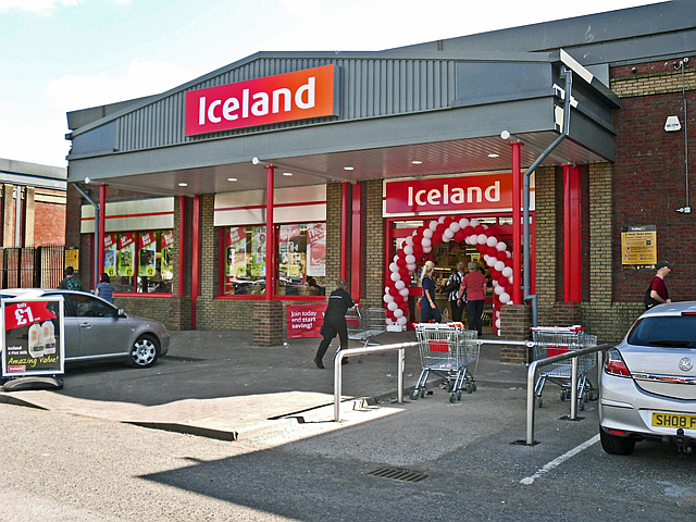 Iceland First Supermarket To Go Plastic Free Iceland store 1