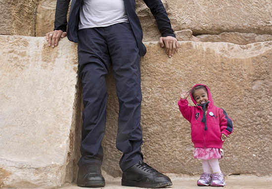 Worlds Tallest Man Meets Worlds Smallest Girl PA 2 1