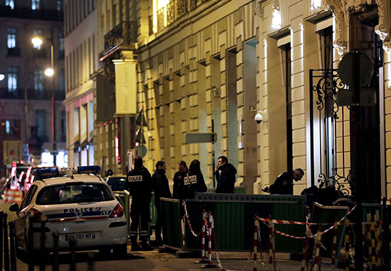 €5 Million Of Jewellery Stolen During Armed Heist At Ritz Hotel Paris RitzRobbery2 2