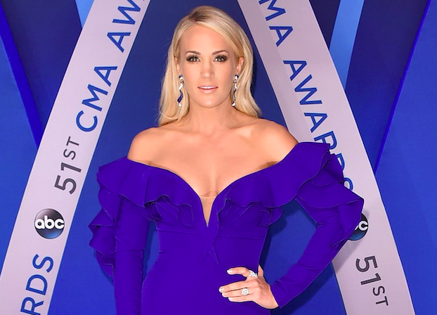 Carrie Underwood Gets Over 40 Stitches In Face After Horrific Accident Screen Shot 2018 01 02 at 20.09.36