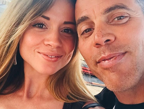 Steve O Proposes To Girlfriend Lux Wright In Front Of His Jackass Friends Steveo1