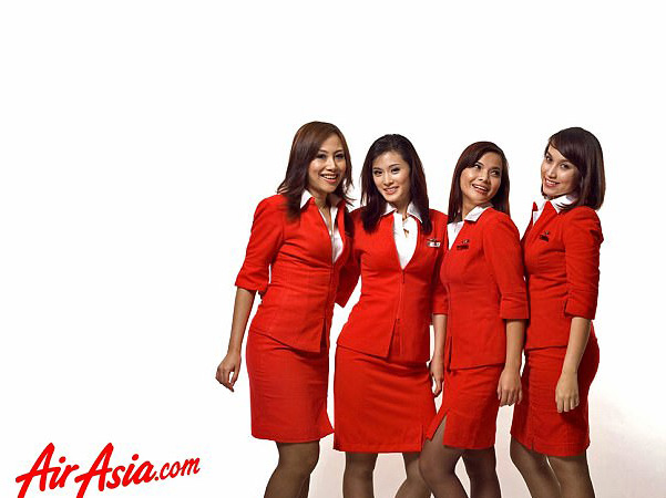 Passenger Says Air Asia Uniforms Are Offensive After Seeing Breasts And Underwear Of Attendant airasia2