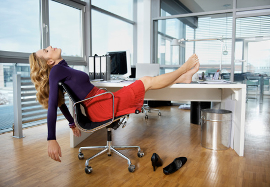 People Who Struggle To Get Out Of Bed Are More Intelligent Study Says asleep at work