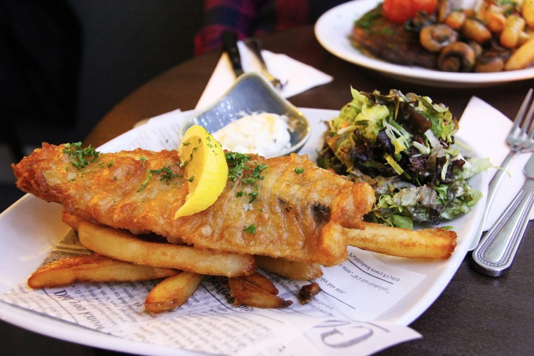 Restaurants Perfect Response To Womans Complaint About Paying £8 For Fish And Chips fish and chip 3039746 1280 1048x700