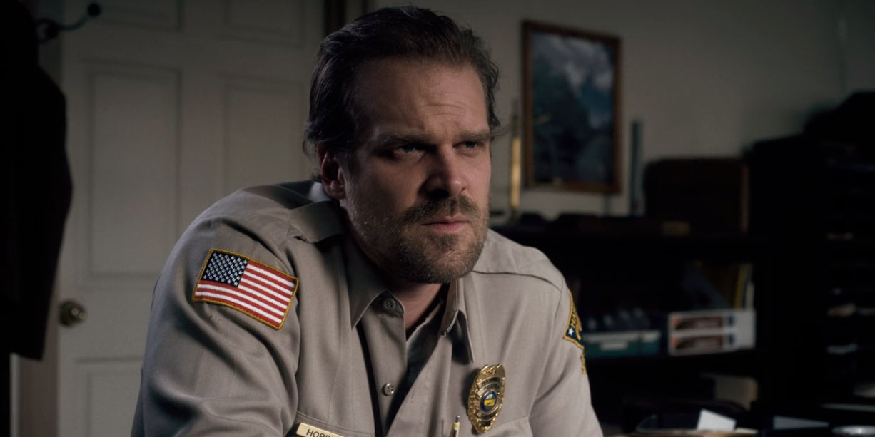 Stranger Things David Harbour Agrees To Marry Fan Who Tweeted Him hop