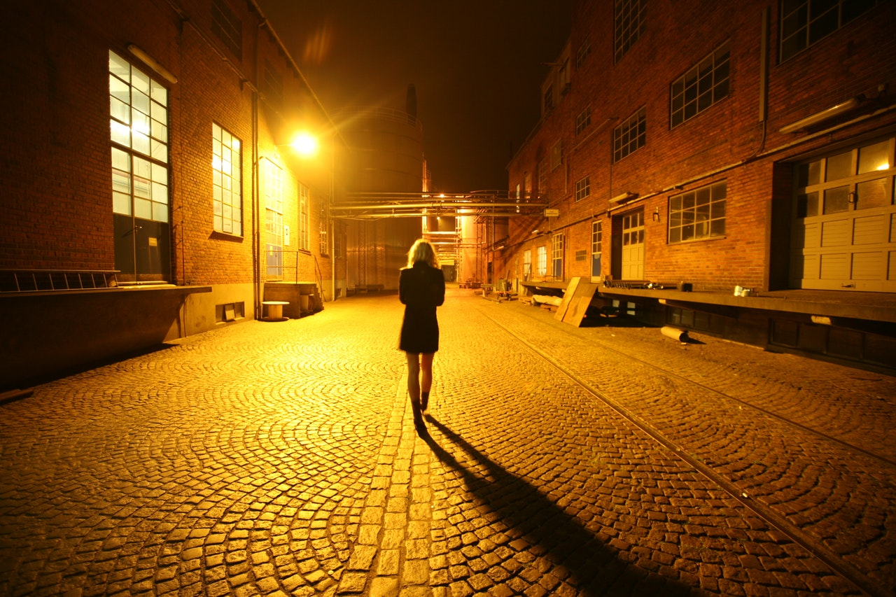 Guys Story About Walking Alone At Night Is Absolutely Terrifying %name