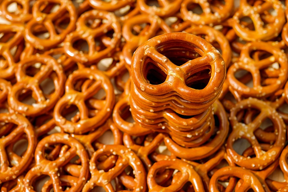 Brits Are Creatures Of Habit When They Travel, Study Finds pretzel 2759994 960 720