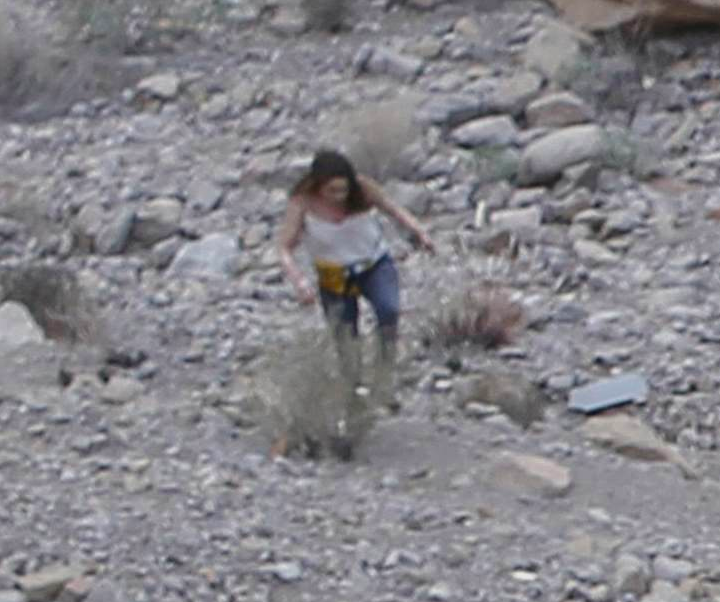 Moment Survivor Ran From Grand Canyon Helicopter Crash Covered In Blood Screen Shot 2018 02 13 at 13.50.20