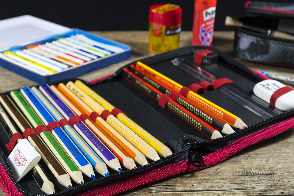 84 Per Cent Of Office Workers Consider Themselves Stationary Geeks back to school 2737002 960 720