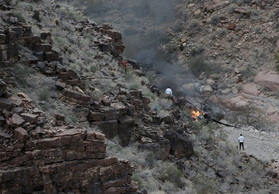 Moment Survivor Ran From Grand Canyon Helicopter Crash Covered In Blood canyon1
