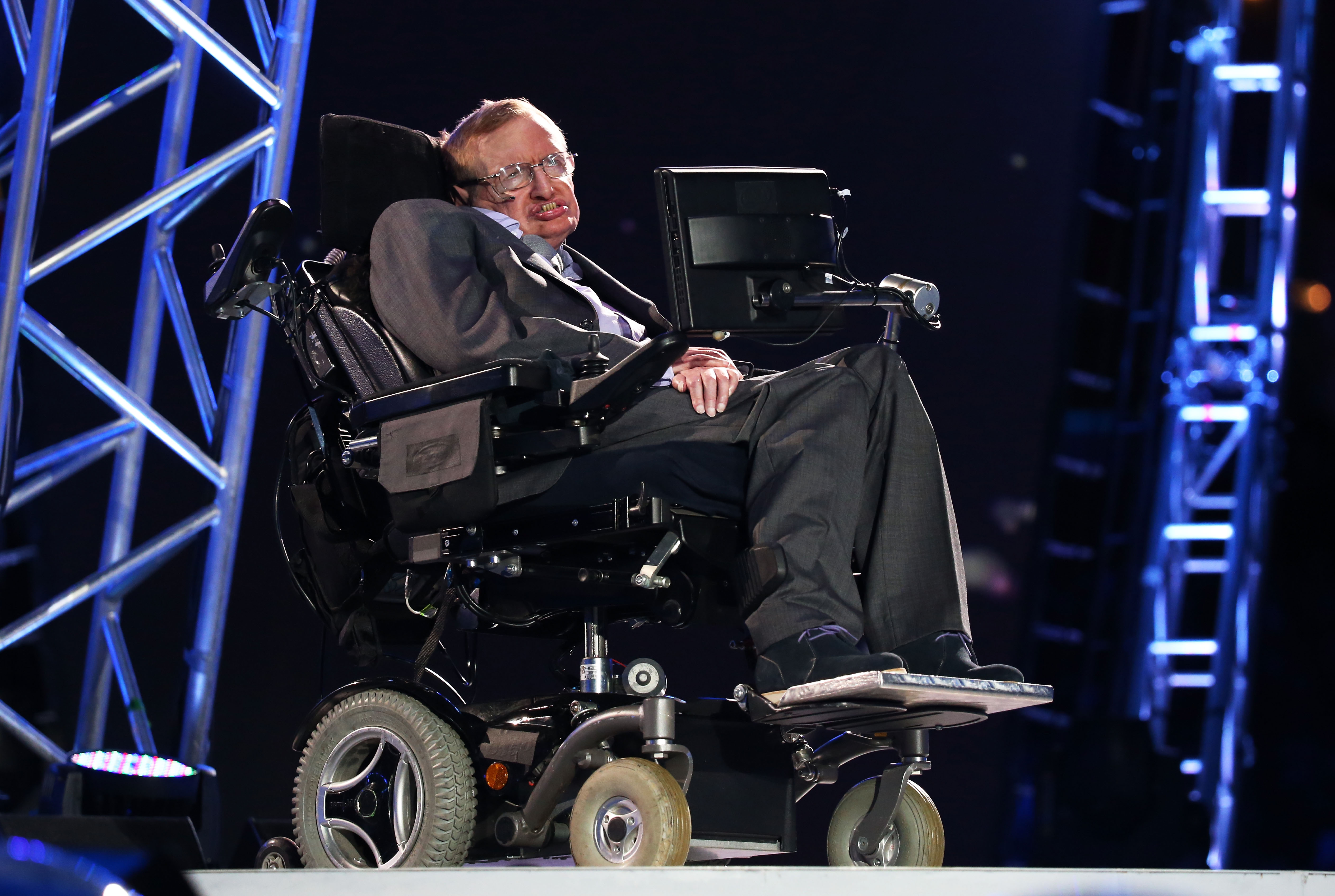 NASAs Stephen Hawking Tweet Perfectly Sums Up How The World Is Feeling Right Now GettyImages 150940539