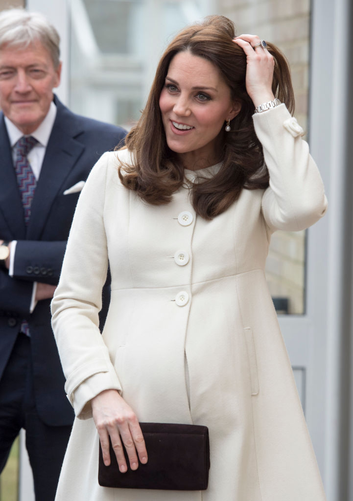First Picture Of Royal Baby After Kate Middleton Gives Birth