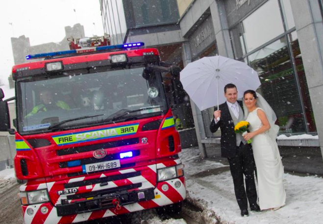 Couples Wedding Goes Ahead Despite Snow And Pictures Were Spectacular Screen Shot 2018 03 02 at 17.14.03