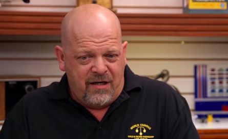Guy Goes On Pawn Stars With 10 Charizard Pokemon Cards Screen Shot 2018 03 11 at 14.50.02